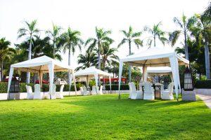 Namioty wystawowe – zabezpieczenie stoisk targowych przed złą pogodą