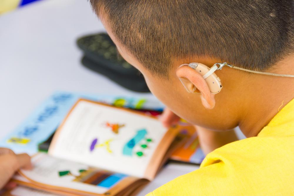 Aparat słuchowy sterowany smartfonem? Poznaj szczegóły!