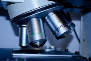 Mikroskop w leczeniu kanałowym – gwarancja skuteczności