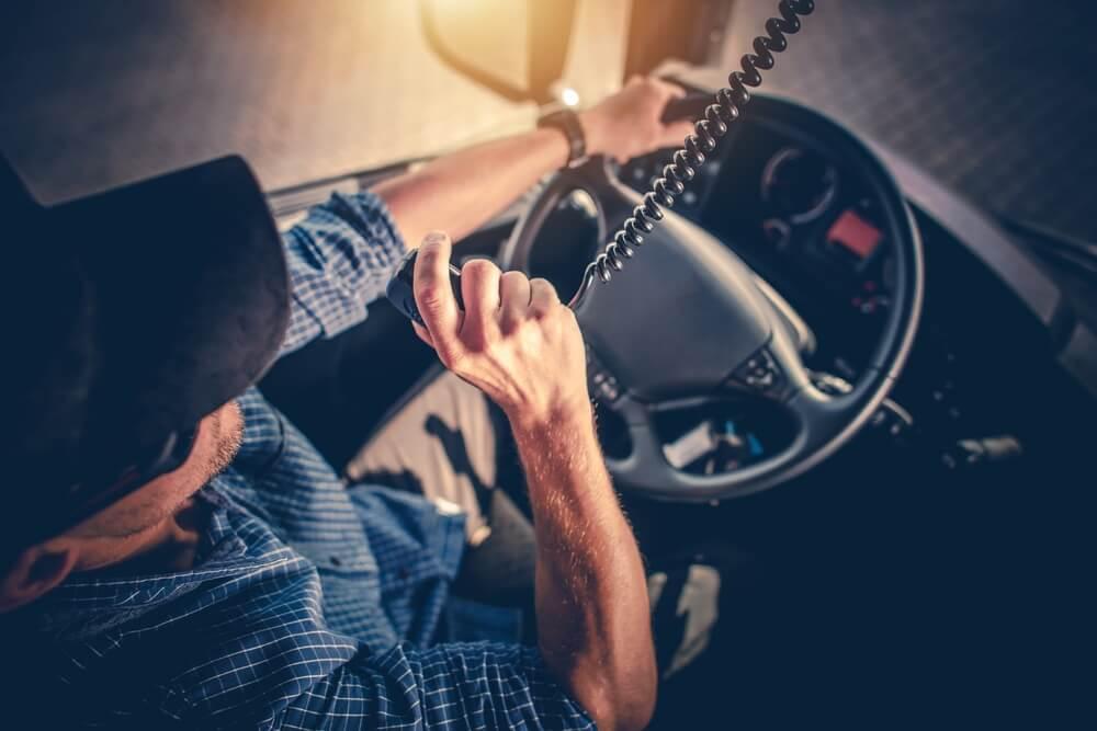 Komunikacja z kierowcą w zimie – zatroszcz się o bezpieczeństwo swoich pracowników
