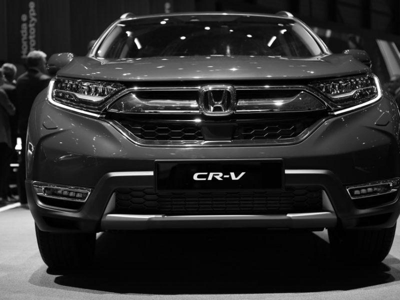 Honda CR-V czy Toyota RAV4 – którego japońskiego SUV-a wybrać?