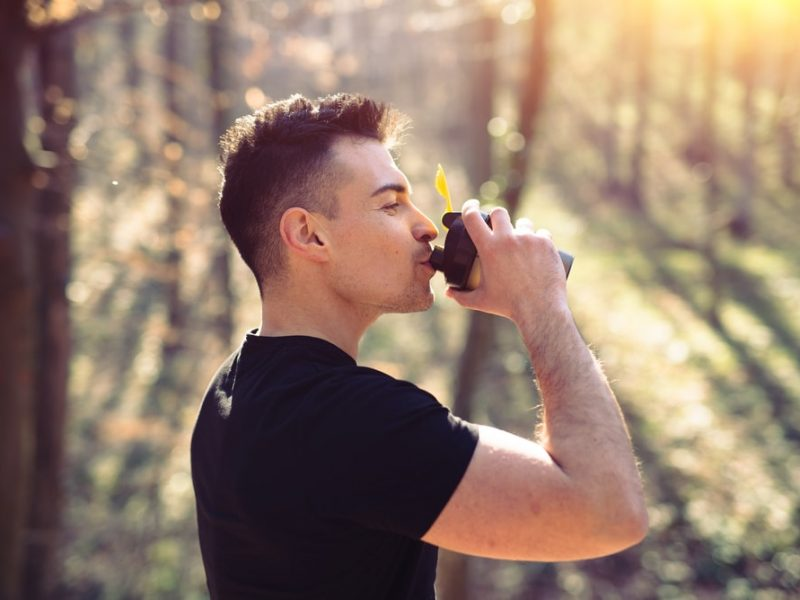 Dlaczego Twój organizm potrzebuje wody? – poradnik