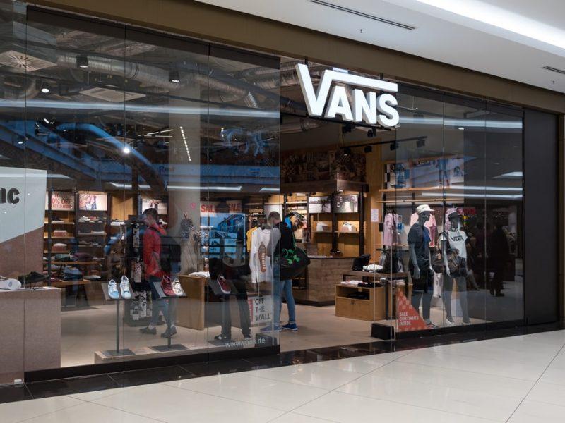 Odzież marki Vans – co znajdziesz w skate shopie w nadchodzącym sezonie?