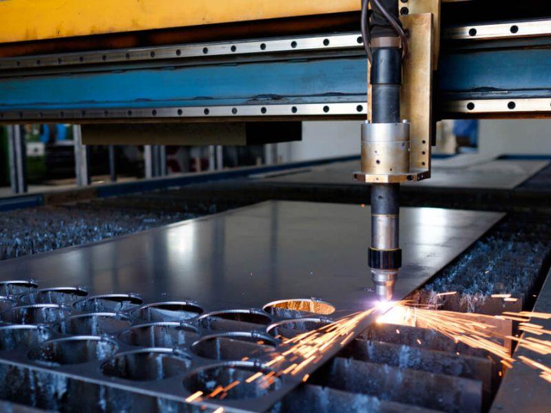 Jak wybrać firmę zajmującą się obróbką metali?