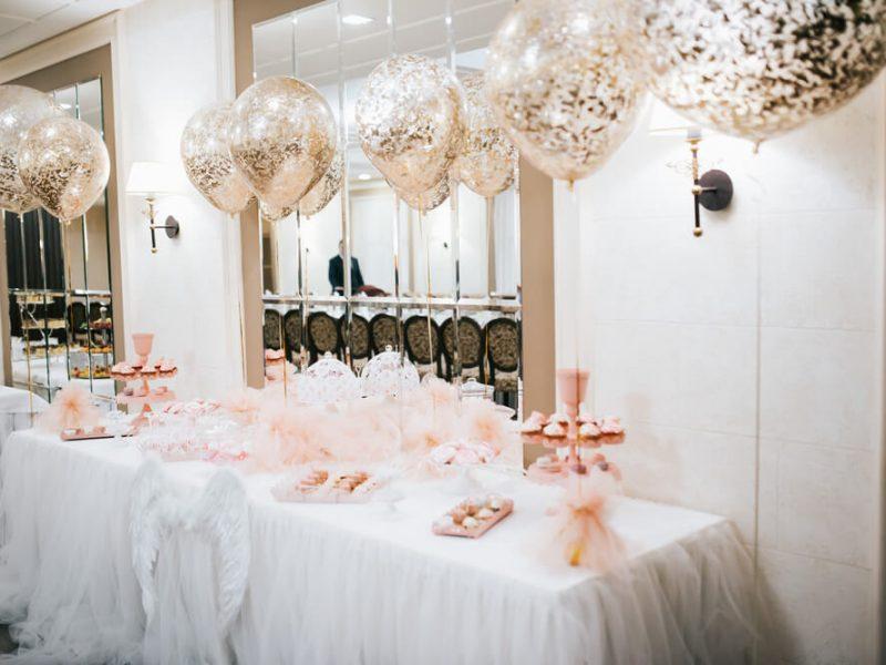 Dekoracje ślubne z balonów. Trendy 2021